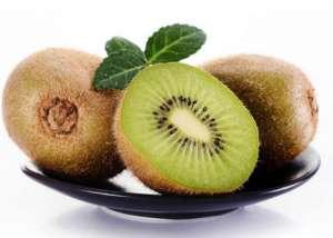 猕猴桃和什么榨汁好喝 猕猴桃和苹果一起吃的好处